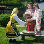 Мая и Дон фолклорна